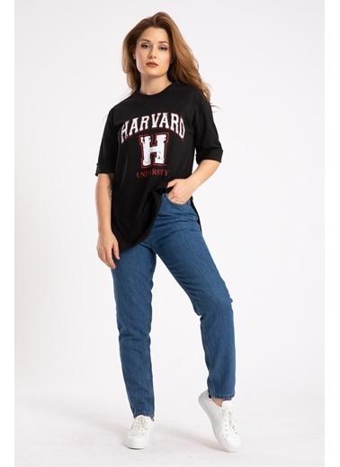 Madame Sare  Kadın Siyah Harvard Baskılı Yırtmaçlı Tişört Siyah